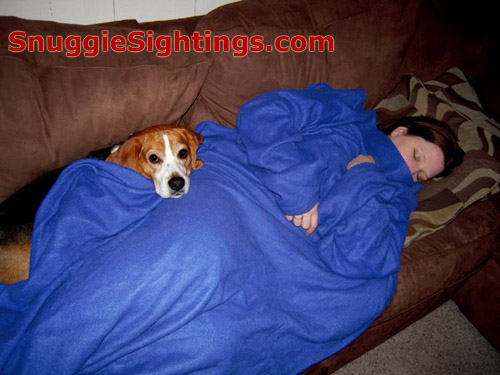 Got Snuggie Sleeping Pics? Send them in, por favor.